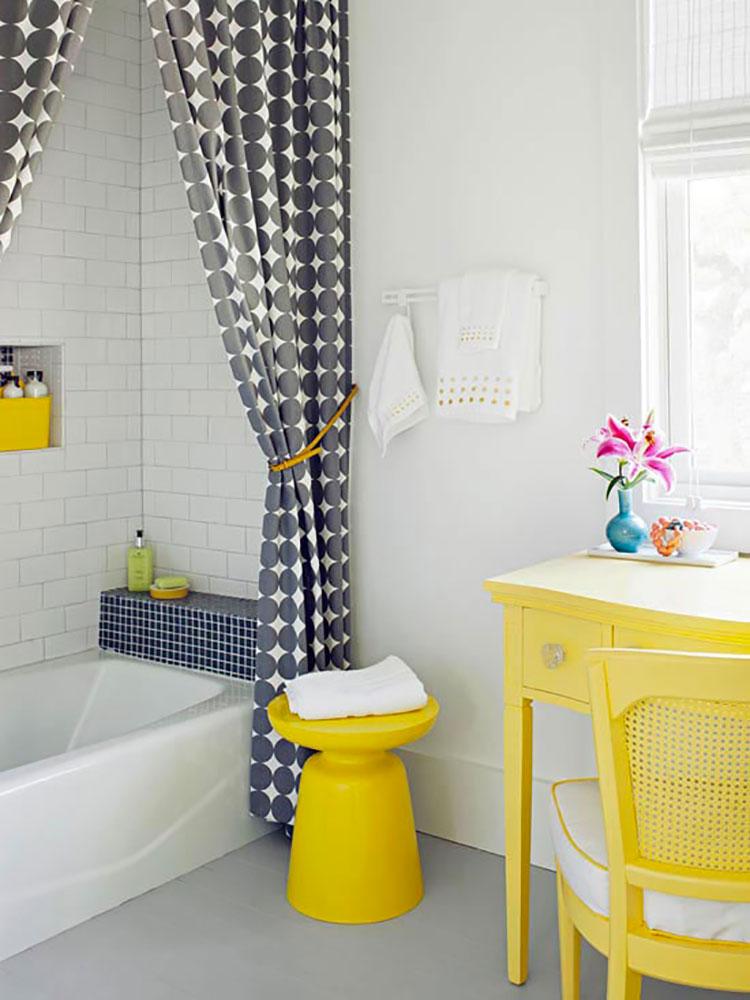 Idea per arredare un bagno giallo n.12