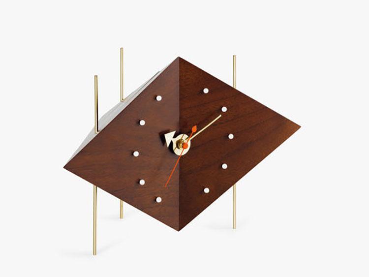Orologio da tavolo dal design moderno n.01