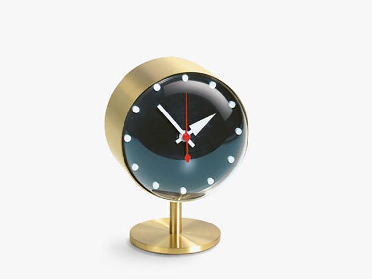 Orologio da tavolo dal design moderno n.04