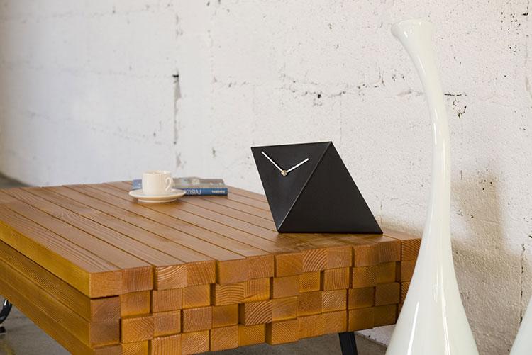 Orologio da tavolo dal design moderno n.07