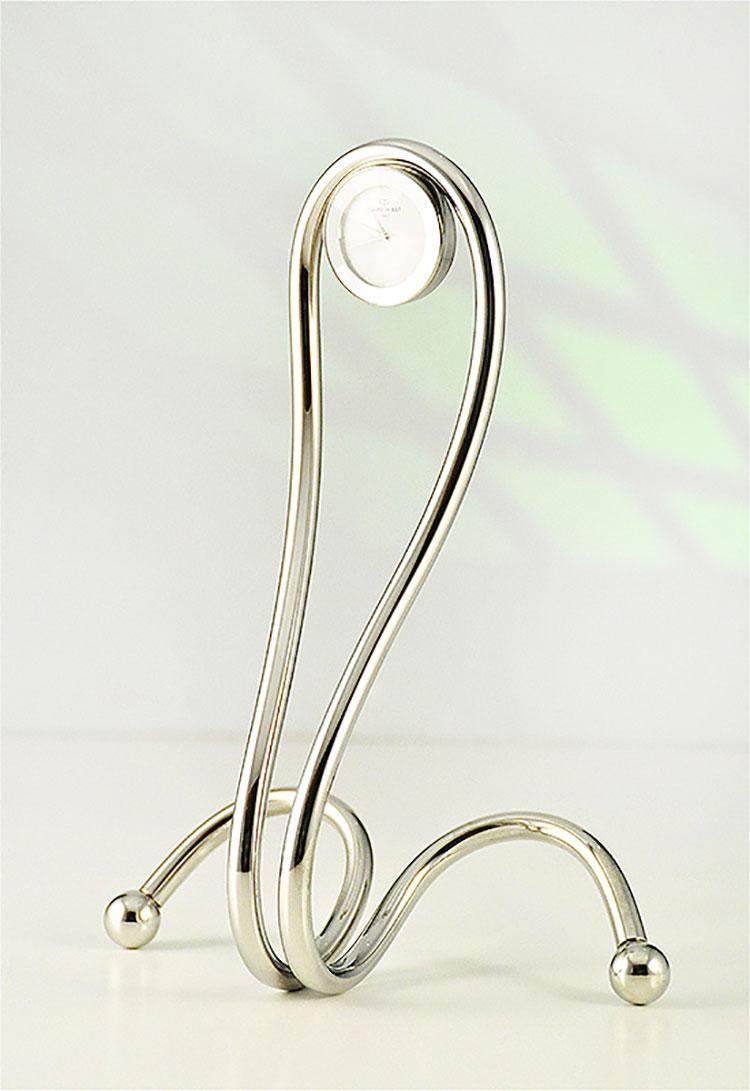 Orologio da tavolo dal design moderno n.14