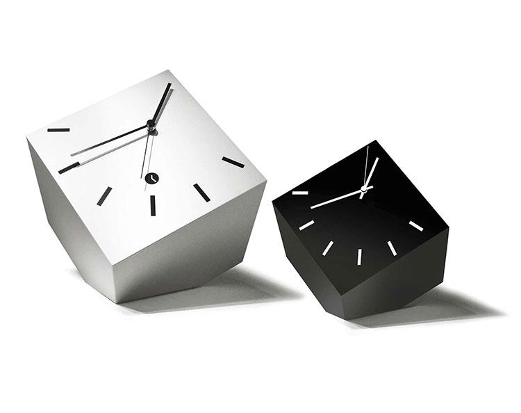 Orologio da tavolo dal design moderno n.17