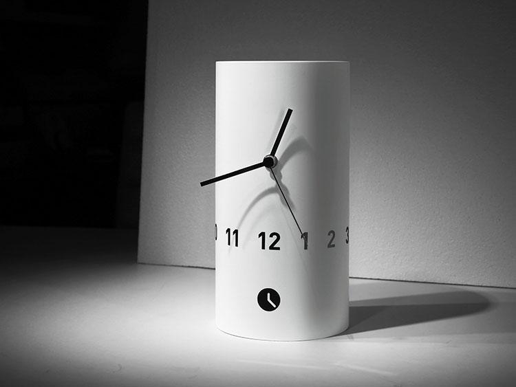 Orologio da tavolo dal design moderno n.18