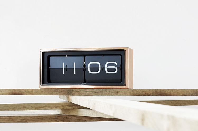 Orologio da tavolo dal design moderno n.22