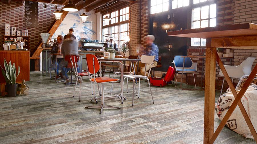 Tipo di pavimento in PVC effetto legno n.02