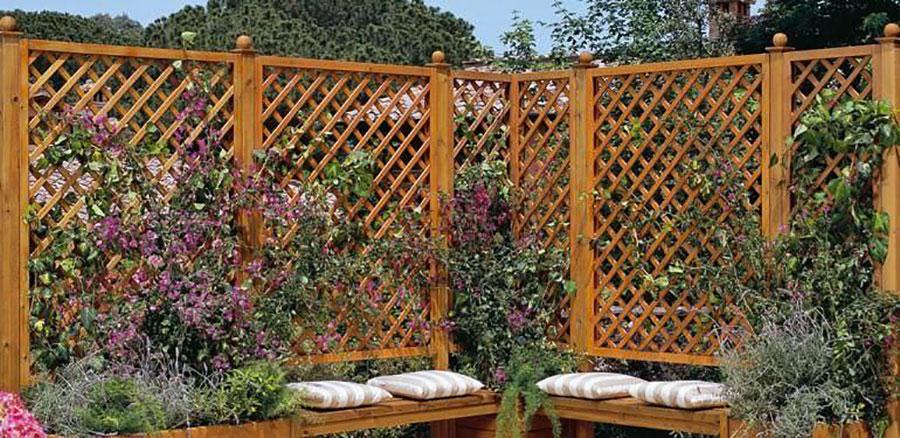 Modello di recinzione in legno per giardino n.04