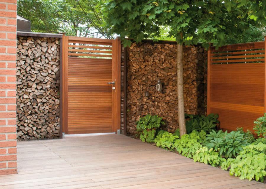 Modello di recinzione in legno per giardino n.16
