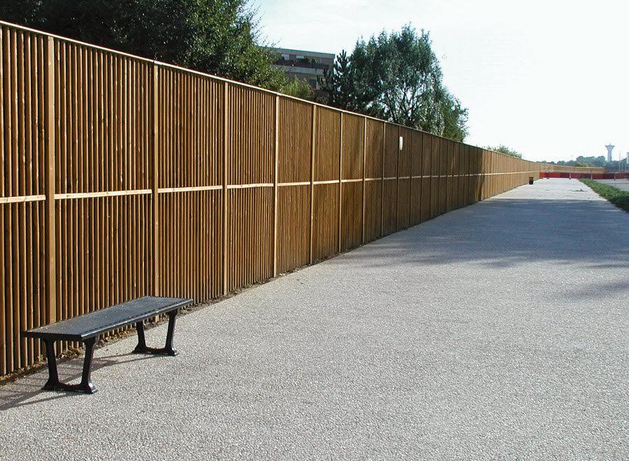 Modello di recinzione in legno per giardino n.17