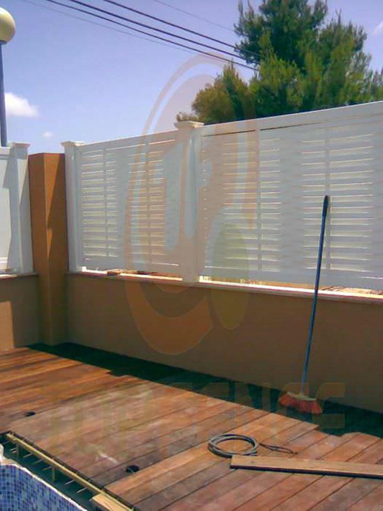 Modello di recinzione in legno per giardino n.19