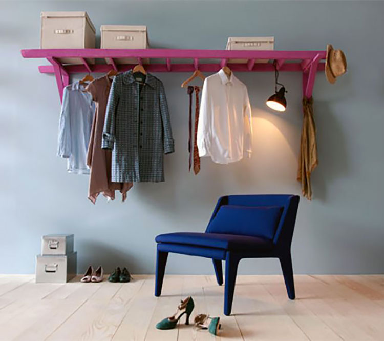 Idee per riciclare vecchie scale per creare appendiabiti e scarpiere n.01