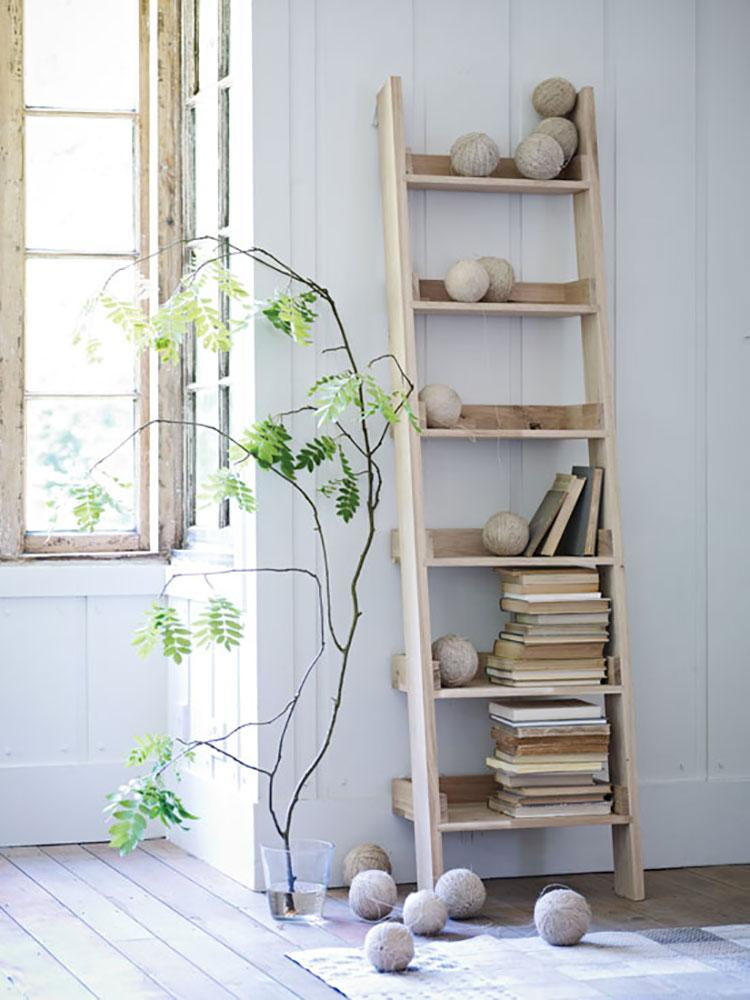 Come creare librerie riciclando vecchie scale n.05