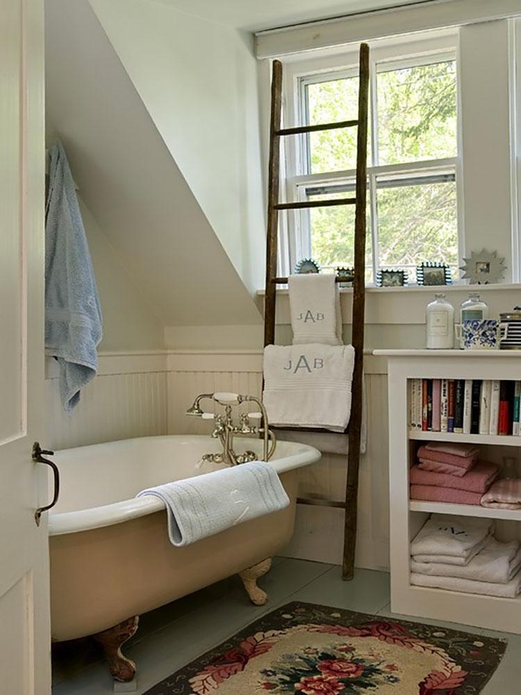 Come creare mobili bagno riciclando vecchie scale n.04