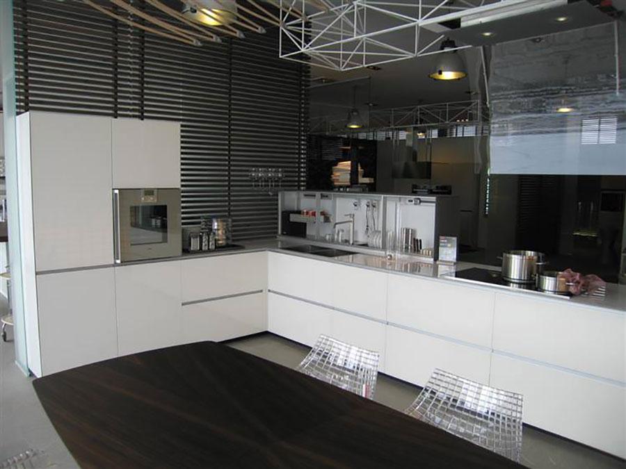 Modello di cucina ad angolo Valcucine n.02