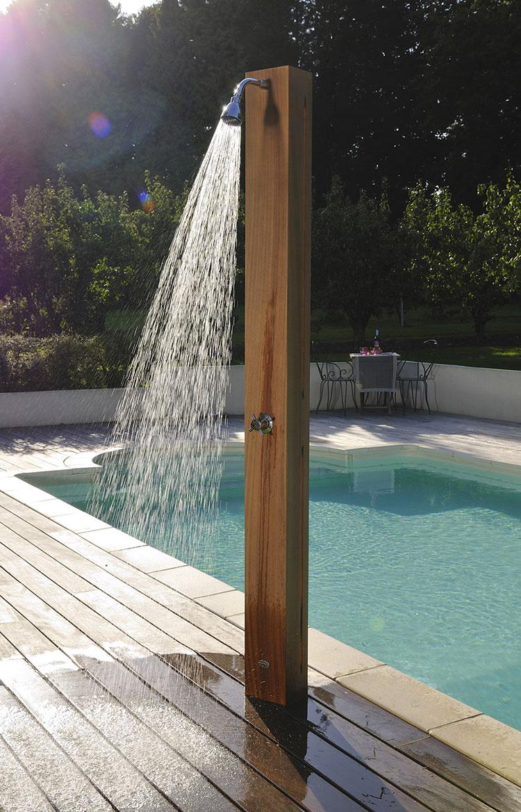Modello di doccia solare da giardino n.09