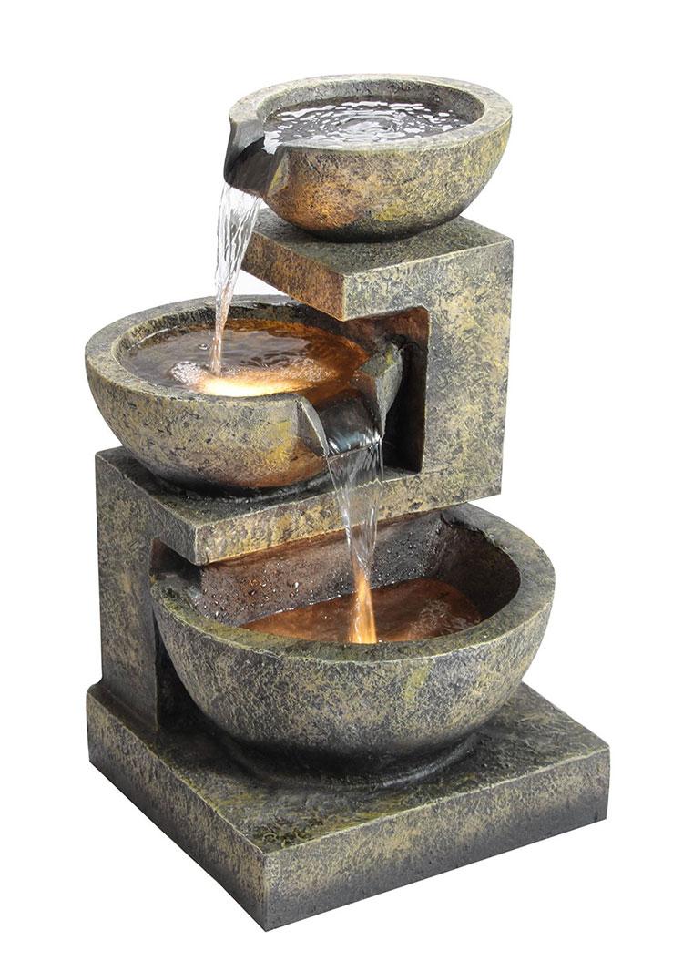 Modello di fontana solare da giardino n.04