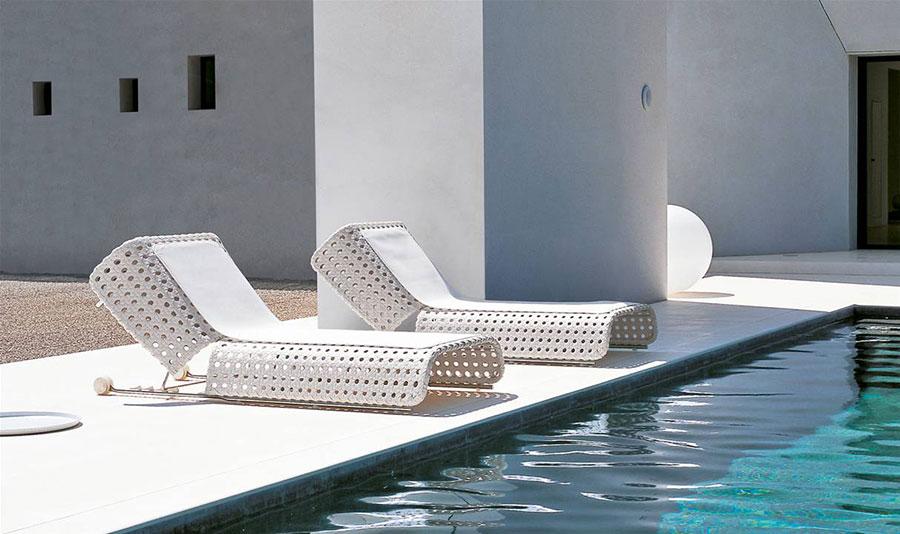 Modello di lettino da giardino dal design particolare n.02