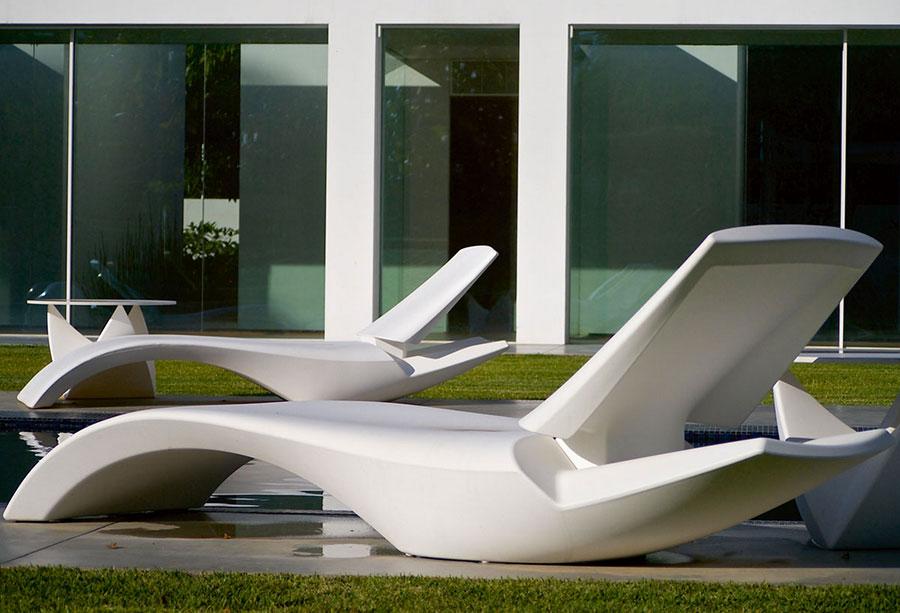 Modello di lettino da giardino dal design particolare n.17