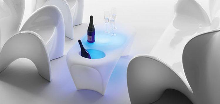 Tavolo da esterni dal design particolare n.10