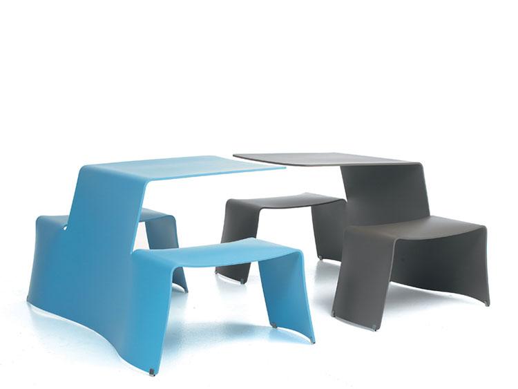 Tavolo da esterni dal design particolare n.12