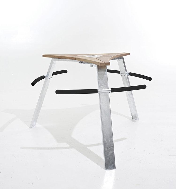 Tavolo da esterni dal design particolare n.13