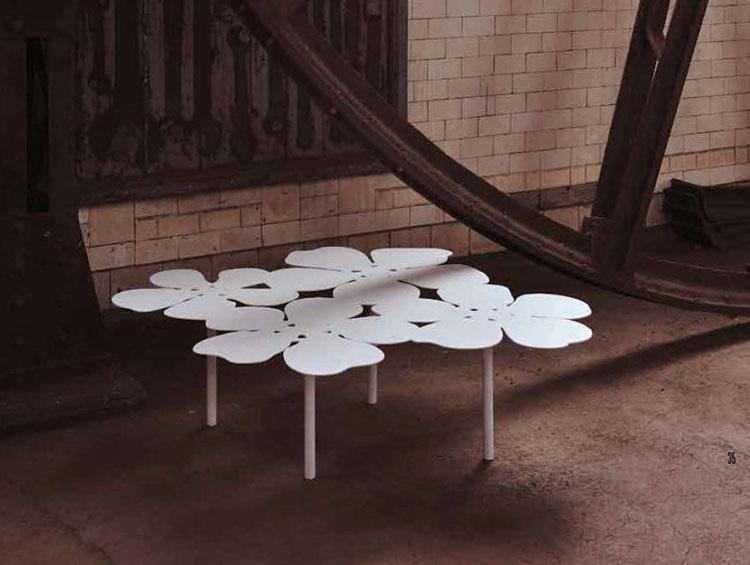 Tavolo da esterni dal design particolare n.14