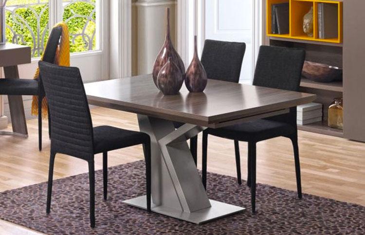 Modello di tavolo quadrato allungabile n.09
