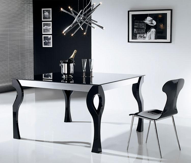 Modello di tavolo quadrato allungabile n.18