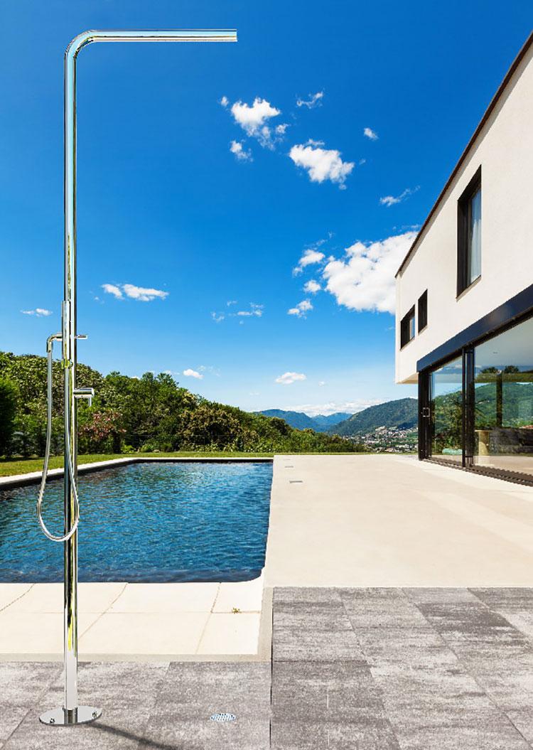 Modello di doccia da giardino dal design particolare n.01