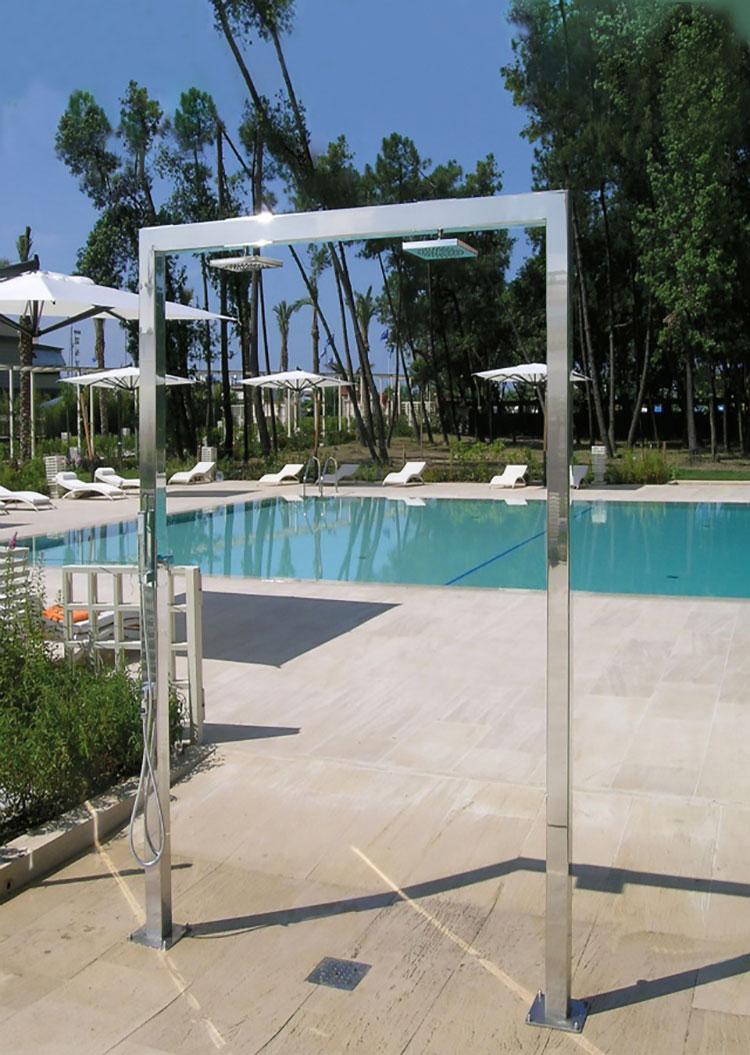 Modello di doccia da giardino dal design particolare n.03
