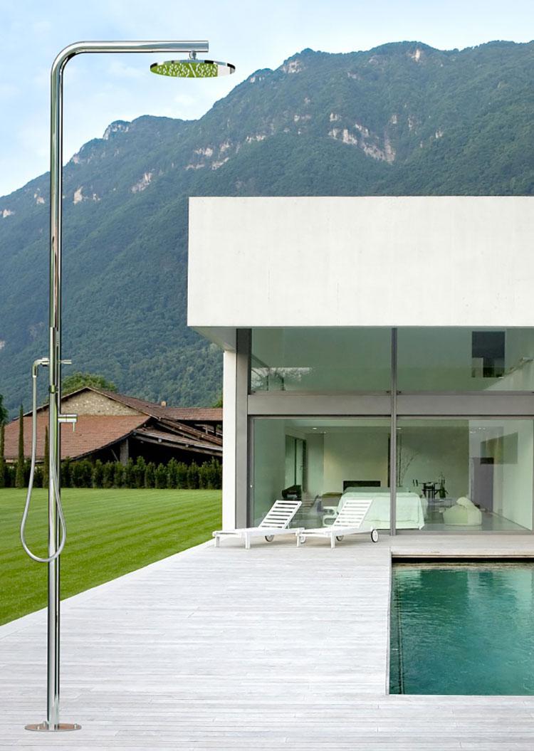 Modello di doccia da giardino dal design particolare n.04