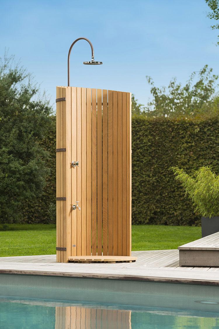 Box doccia per esterno immagini ispirazione sul design - Doccia esterna da giardino ...
