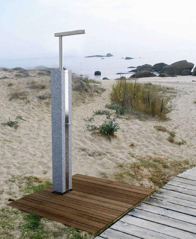 Modello di doccia da giardino dal design particolare n.18