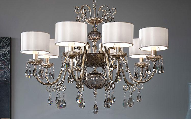 Modello di lampadario in ferro battuto da soffitto n.04