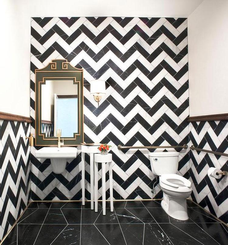 Idee di arredo per un bagno bianco e nero n.07