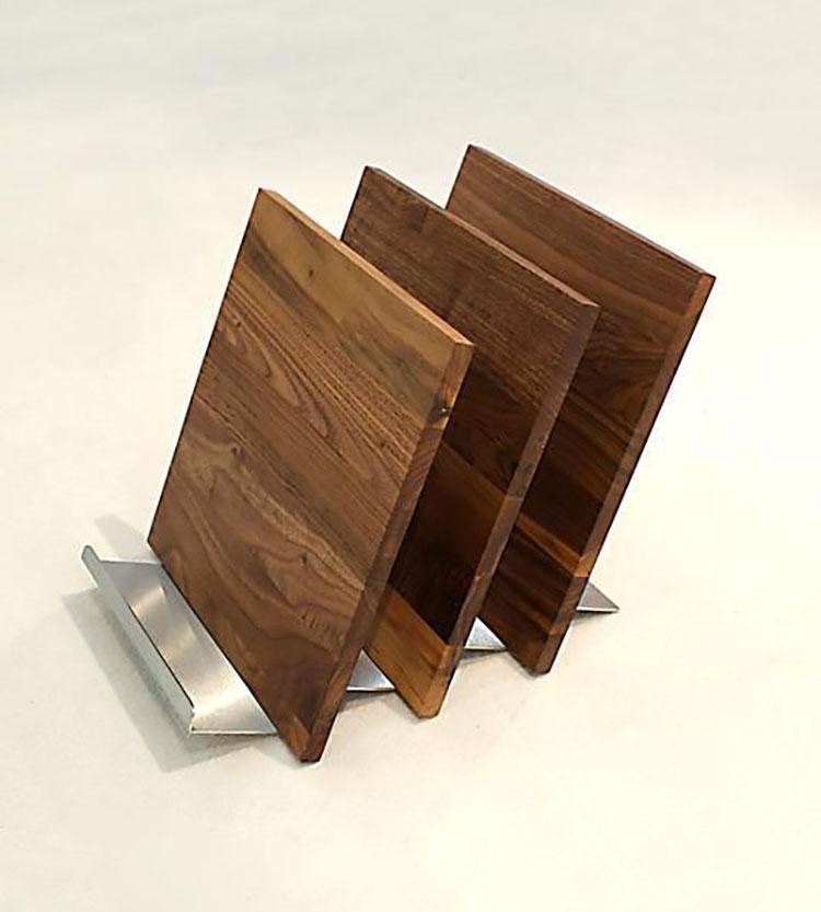 Modello di portariviste in legno moderno n.05