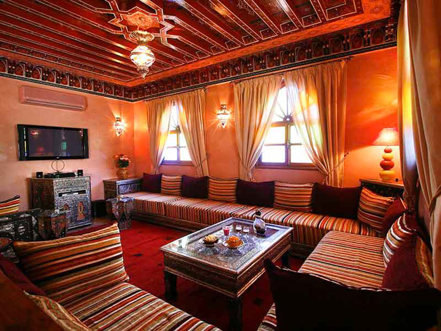 Salotto marocchino 20 idee per arredare in stile esotico for A classic touch salon