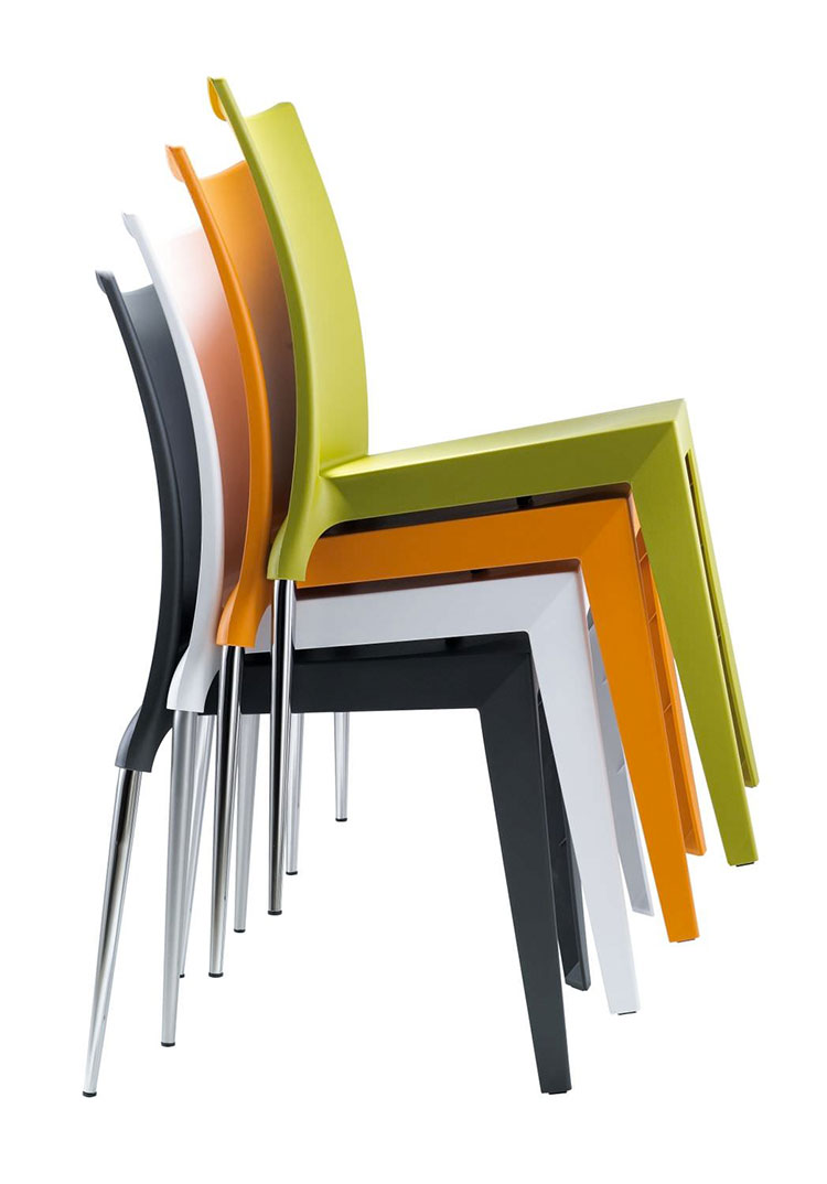 Sedie da esterno moderne in plastica n.12