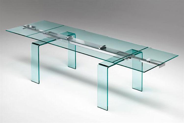 Modello di tavolo in vetro allungabile dal design moderno n.01