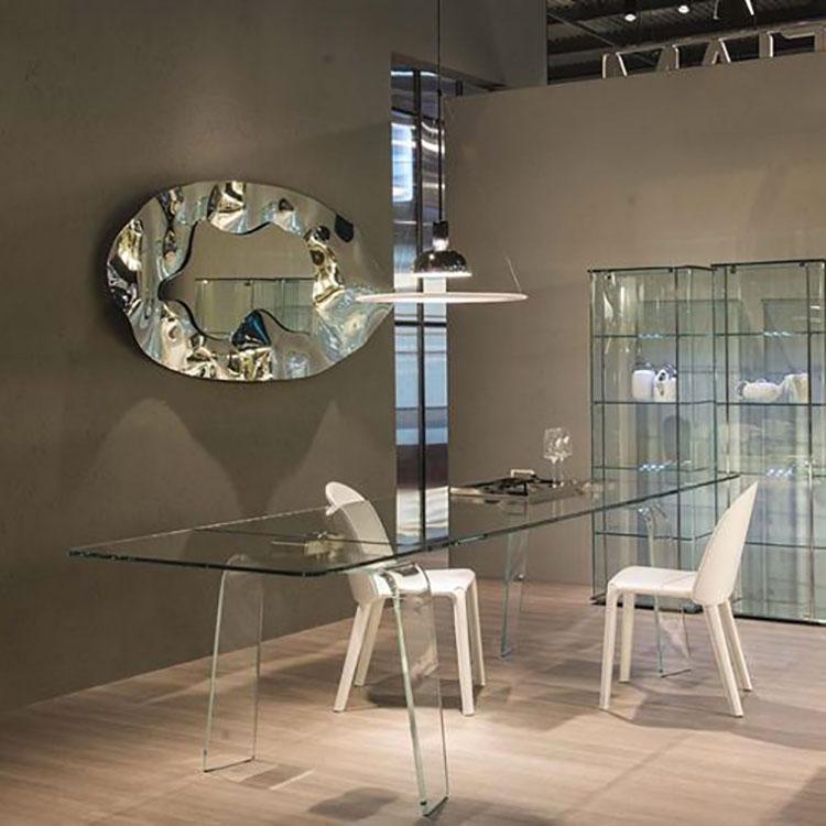 Modello di tavolo in vetro allungabile dal design moderno n.02