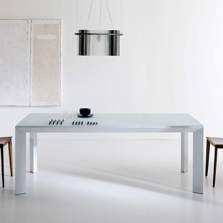 Modello di tavolo in vetro allungabile dal design moderno n.06