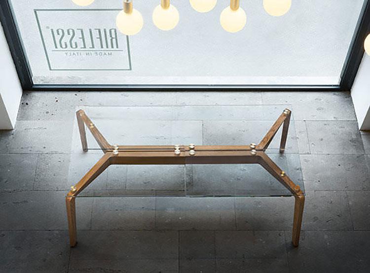 Modello di tavolo in vetro allungabile dal design moderno n.10