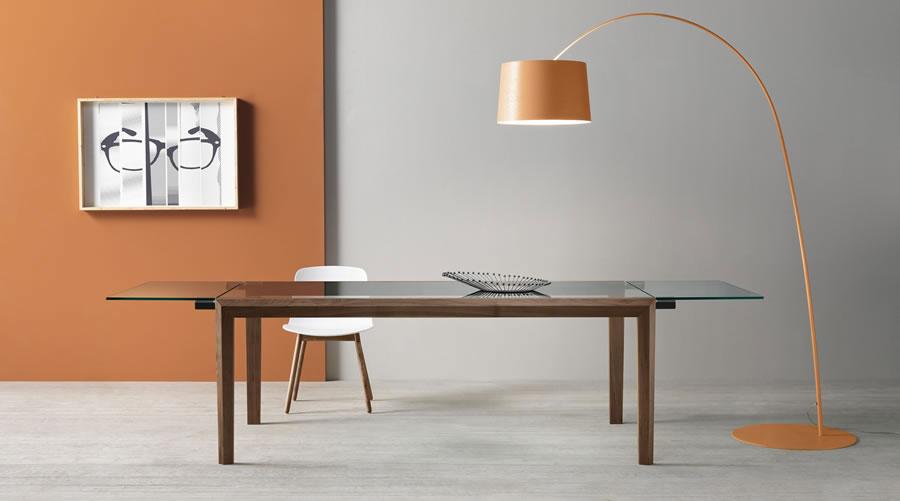 Modello di tavolo in vetro allungabile dal design moderno n.15