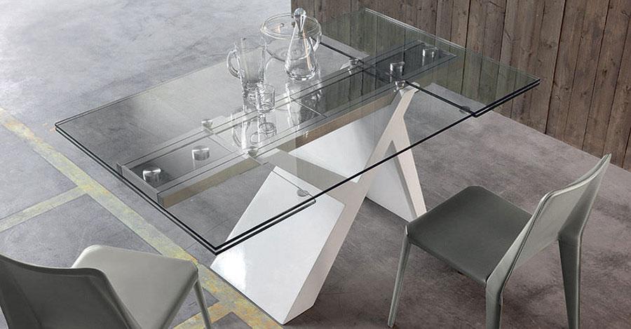 Modello di tavolo in vetro allungabile dal design moderno n.17