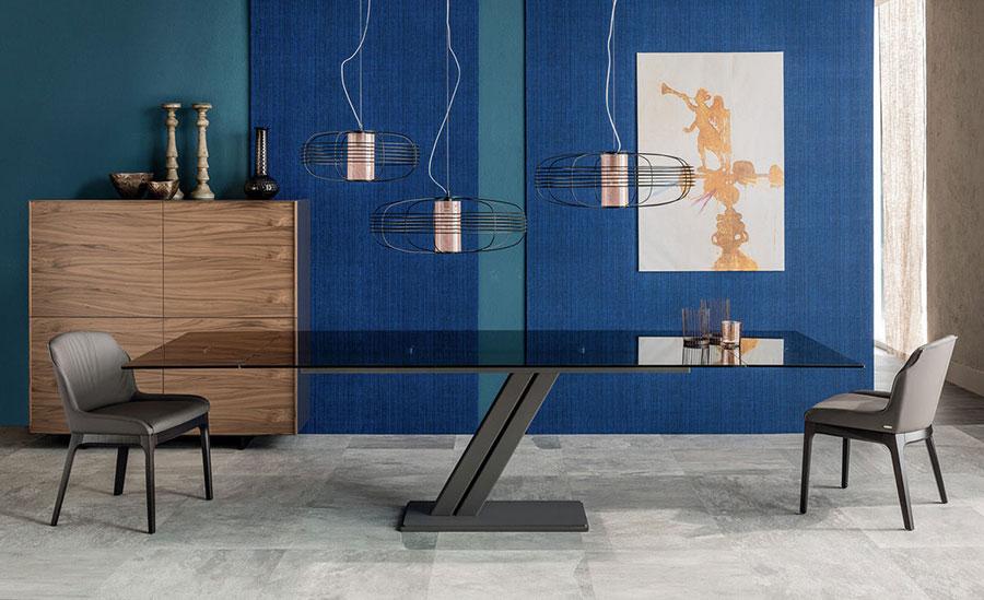 Modello di tavolo in vetro allungabile dal design moderno n.19