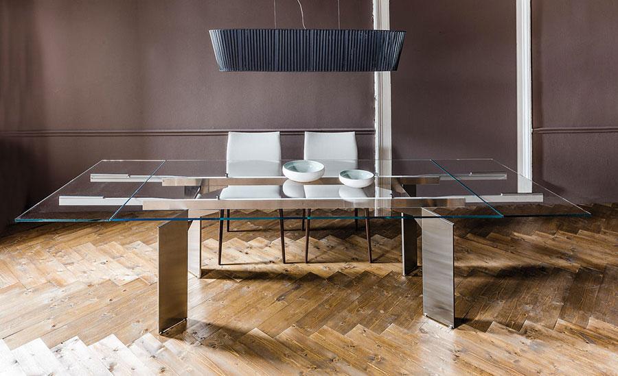 Modello di tavolo in vetro allungabile dal design moderno n.20