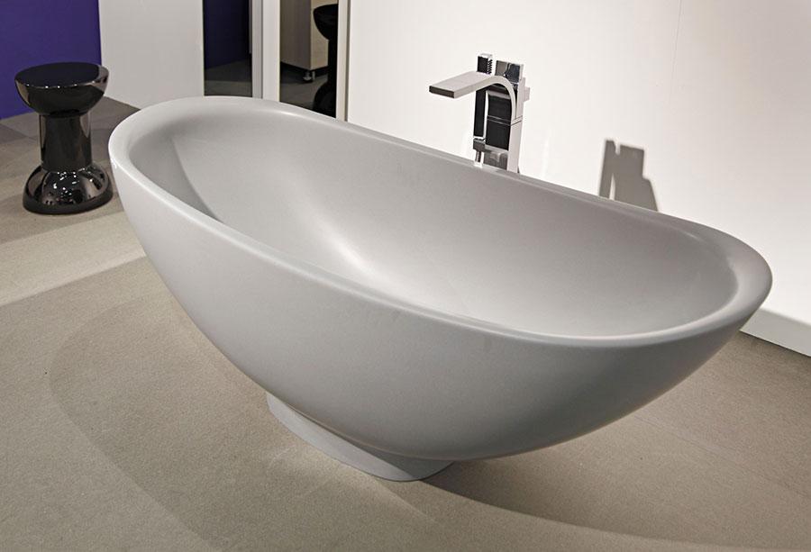 Modello di vasca da bagno piccolo e moderna n.01
