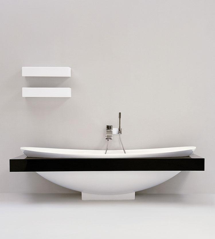 Modello di vasca da bagno piccolo e moderna n.02