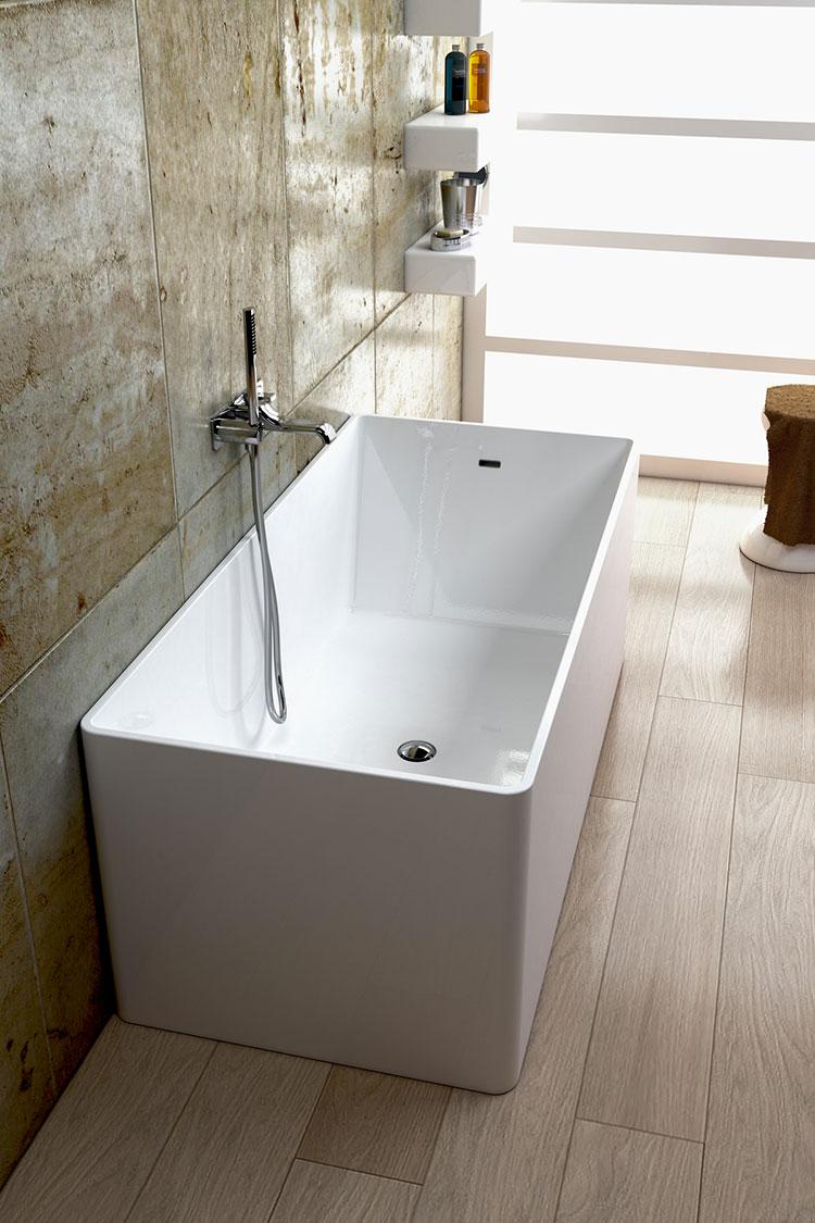 Modello di vasca da bagno piccolo e moderna n.04