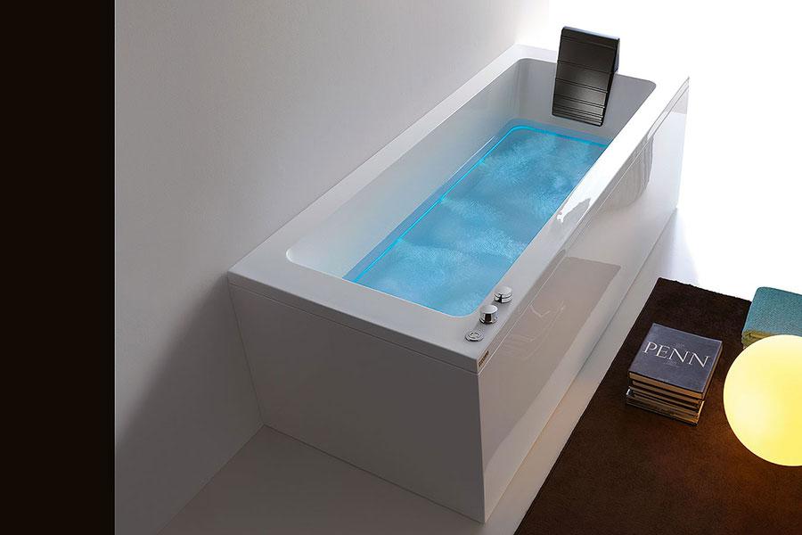 Modello di vasca da bagno piccolo e moderna n.15