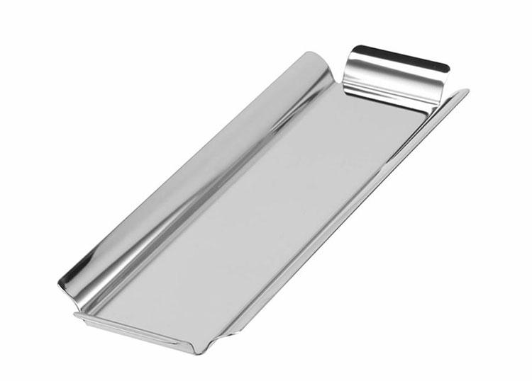 Modello di vassoio in acciaio dal design particolare n.12